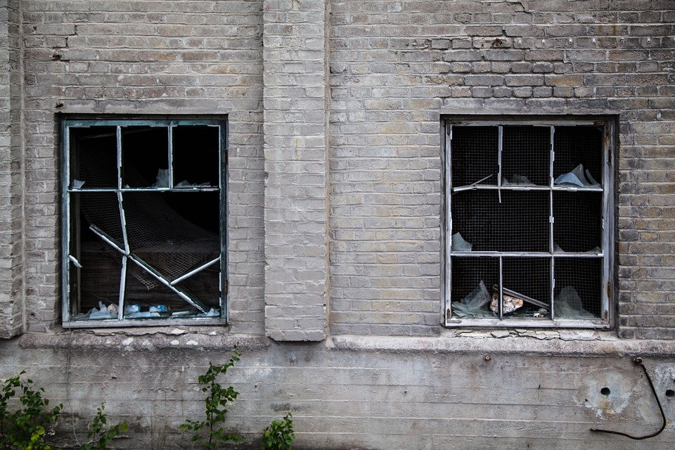 Community Policing vs Broken Windows: What's the Difference?